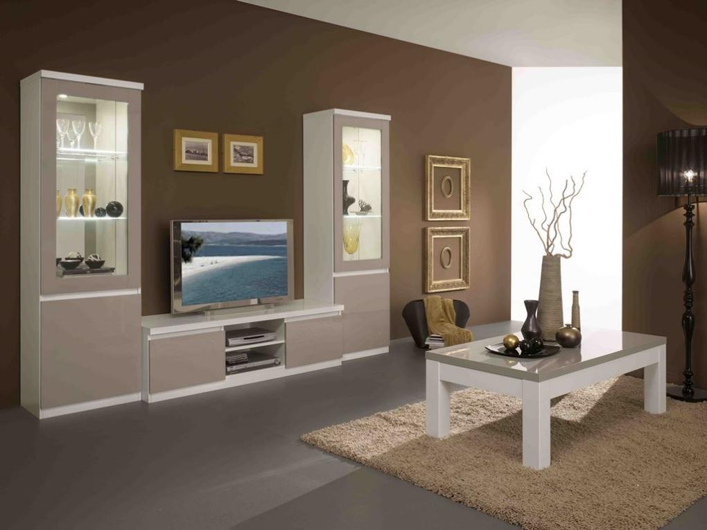 Woonkamer Kast Wit : Witte houten kast woonkamer posters u stockfoto denisismagilov